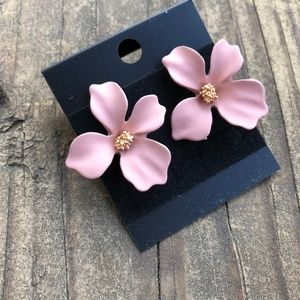 Jewelry - Light Pink Nude Flower Stud Earrings Gold Center